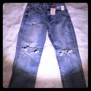 Gap tag on Jean